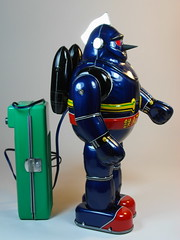 Billiken  Tin Battery Operated  Tetsujin 28 Go (28)  Blue Version  Side (My Toy Museum) Tags: tin go battery 28 operated billiken tetsujin