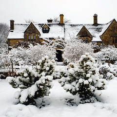 Westington II (Andrew Lockie) Tags: winter england snow stone season property gloucestershire built cottages chipping cotswold campden