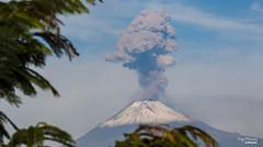 GRAN DESPERTAR (HUGO MRQUEZ) Tags: village popocatepetl volcan mxico volcano montain eruption