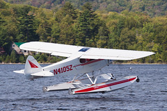 Private Piper PA-18-150 Super Cub N4105Z (jbp274) Tags: lake water greenville greenvilleseaplaneflyin flyin airplanes seaplane floatplane 52b piper pa18 supercub mooseheadlake