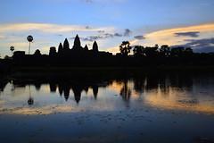 Angkor wat (Isabel-Valero) Tags: cambodia travel asia camboya angkor angkorwat daybreak sun lake water temple