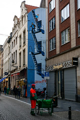 hommage à Hergé (Bruxelles) (beatrice.boutetdemvl) Tags: bruxelles brussels hergé tintin haddock peinture mur wall painting street rue