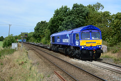 gbrf maritime livery 66727 works 4l39 birch coppice to felixstowe passed egleton rutland (I.Wright Photography over 2 million views thanks) Tags: maritime livery 66727 works 4l39 birch coppice felxistowe passed egleton rutland new paint job gbrf gbrailfreight class66 blue intermodal mega fret fwa containers modal gb 66 felixstowe haulage europorte 2 nikon d5200 35mm f18 prime lens fields foot crossing