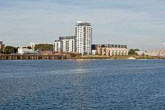 Riverside Apartments (D_Alexander) Tags: uk england london southlondon southeastlondon riverthames apartments
