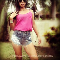 Cut off shorts with lace (Noony Spitzer) Tags: woman white girl fashion vintage square toys diy keychain pin toaster jean brooch ripped hipster lofi coke chain short squareformat levi denim walden hudson cocacola levis distressed destroyed aviator hefe acidwash studs rayban smileyface cutoff studded highwaisted vintagetoys amaro bluejean distresses pinbrooch studed dipdye iphoneography vespakey instagramapp xproii deepdye dipdyes noonyspiyzer