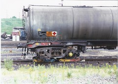 TEA wagon on rail skate (James DEMU) Tags: wheel wagon tank tea skate wagons wheelsets toton railskate wagonshops
