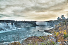 Sunset at Niagara (Wajahat Mahmood) Tags: longexposure sunset toronto ontario canada reflection water niagarafalls horseshoe bridalveil hdr highdynamicrange rivier