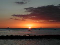 P1130181 (galleries@aspulver) Tags: sunset beach water sunrise hawaii diamondhead pearlharbor honolulu waikikibeach oahuhawaii honoluluhawaii waikikibeachoahuhawaii usarizonamemorial