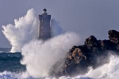_4LN5398-double bang (Brestitude) Tags: sea mer lighthouse four big brittany wave bretagne breizh vague phare finistère grosse argenton hudge porspoder chenaldufour nordfinistère paysdesabers brestitude petitmelgorn