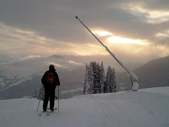 Laax 2012/2013 (FzNa) Tags: park schnee winter snow ski nature schweiz switzerland la freestyle sonnenuntergang suisse suiza swiss natur quad arena crap snowboard atv gion sos rettung sonnenaufgang rettungsdienst patrol vorab laax flims tourismus 2012 falera slopes sogn nagens prd pisten weisse graubnden pistenbully 2013 cassons naraus bergbahnen siala patrouilleur masegn seilbahnen grauberg pistendienst