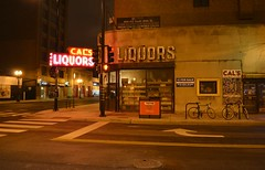 Cal's Bar (chicagogeek) Tags: chicago building nightshot wells 1940s vanburen neonsign liquors gentrification southloop cornerstore divebar