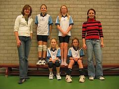 2004 Mini  4 - Tr. Dieuwke Hamhuis en Marieke Kremer - Vera, Jenine, Liset, Patricia