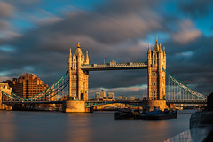 London - Golden Bridge (John & Tina Reid) Tags: greatbritain winter sunset london architecture unitedkingdom theriverthames twlight londontowerbridge goldenlight jonreid londonattractions tinareid nomadicvisioncom