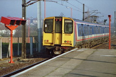 19910330 004 Potters Bar. NSE Liveried Class 313, 313058 Heads A Down Local To Welwyn Garden City (15038) Tags: electric br trains emu railways britishrail pottersbar class313 313058