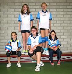 2004 Mini  1 - Tr. Sandra Berger - Veerle, Jannika, Sandra, Dinanda, Jorinda