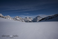 Dolomiti (Elena Martinello) Tags: sky italy panorama mountain snow glitter montagne landscape photo day view blu sunny panoramic cielo neve bianco dolomiti gettyimagesitalyq1 gettyimagesitalyq2 gettyimagesitalyq3