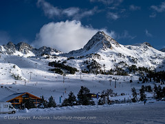Andorra leisure: Winter at Vall d'Orient (lutzmeyer) Tags: pictures schnee winter sunset snow mountains nature landscape photography montana europe afternoon skiing sonnenuntergang sundown photos pics nieve natur january natura paisaje images enero berge skiresort fotos valley leisure invierno region landschaft wintersport freizeit andorra bilder imagen pyrenees neu januar iberia montanas pirineos pirineus iberianpeninsula gebirge paisatge pyrenen puestadelsol wintersports imatges hivern lliure muntanyes gener grauroig nachmittag leasure skigebiet skistation canillo postadelsol gebirgszug iberischehalbinsel skiressort mfmediumformat valldorient vallorient canilloparroquia lutzmeyer lutzlutzmeyercom