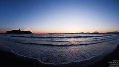 Winter Sunset (sn0pan) Tags: blue winter sunset shadow sea sky sun sunlight seascape silhouette japan season iso100 twilight fuji mt shoreline enoshima f8 15mm 160sec club16 canonef815mmf4lfisheyeusm canoneos1dx