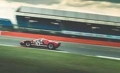 Ford GT40 (@turnfive | brianwalshphotos.com) Tags: 2016 july motorsport silverstone silverstoneclassic brooklands ford gt40 red historic classic retro sportscar canon panning 70200 britain