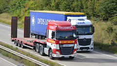 YK65 NDF & YK15 HNA (panmanstan) Tags: daf xf mercedes actros mp4 wagon truck lorry commercial freight transport haulage vehicle a180 meltonross lincolnshire
