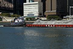 Tugboat, Barge, Gravel (Roosevelt Island/NYC) (chedpics) Tags: newyork eastriver rooseveltisland