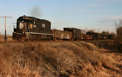 Black Beauty (Wide Cab) Tags: railroad cn train ic freight canadiannational illinoiscentral l595 neenahsub dalewi