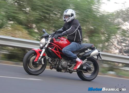 Ducati-Monster-795-70