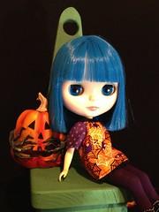 Blu Sparkly ~ Halloween (LazyBlu Blythe) Tags: orange halloween pumpkin october purple bluehair fantasyhair neoblythedoll 12inchdoll simplysparklyspark uploaded:by=flickrmobile flickriosapp:filter=nofilter blusparkly