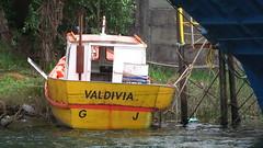 Valdivia (chelo!) Tags: chile barco bote valdivia varado encallado