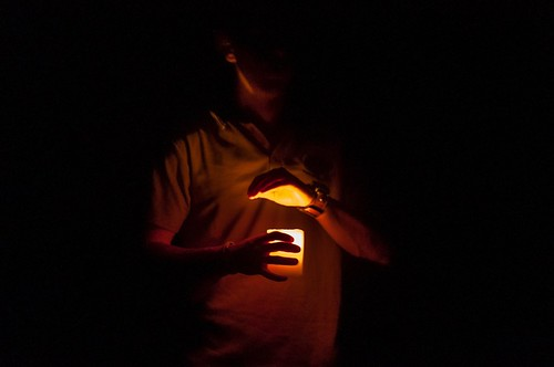 Le premier explorateur des Capricorn Cave a entrepris son exploration avec une simple bougie