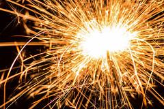 Wunderkerzenexplosion (MB Pics BOH) Tags: explosion feuer wunderkerze feuerwerk photoshopelements11
