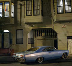 Mission district, San Francisco (Dave Glass . foto) Tags: sanfrancisco missiondistrict themission lowrider 25thstreet chevyimpala lamission 1965chevrolet 1965chevy 1965chevrolethardtop