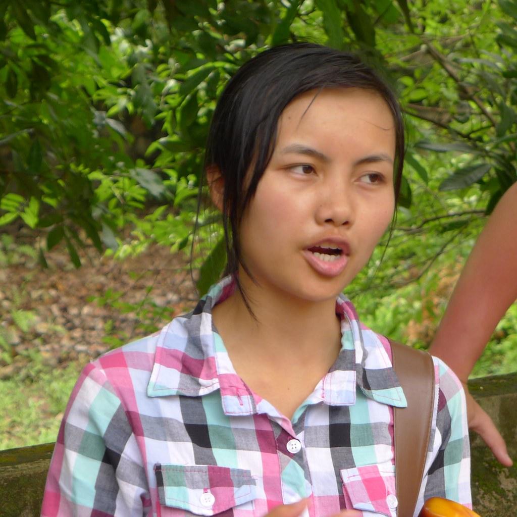 ... Our delightfult tour guide, Le Dai Hanh Temple, Vietnam ... - 8446521424_81c7bb9d11_b