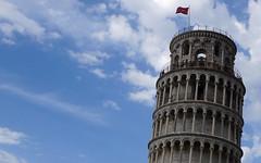 Turistas en lo alto de la torre de Pisa (a_marga) Tags: pisa toscana tuscany italia italy torre inclinada leaning tower