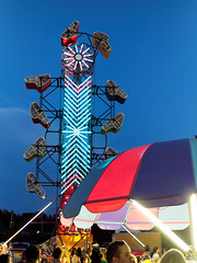 Evening at the Fair (HJharland5) Tags: amusement ride outdoor fair county ohio mentor park annual lakecounty countyfair summer olympus