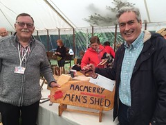 Chatting to David Dickson from Macmerry Men's Shed at Gifford Flower Show