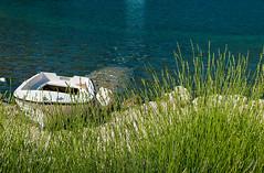 DSC_3965 (Isko78) Tags: nature sea boat green landscape travel nikon d80 1870mm natura trava priroda pejzaz putovanja seaside beach water