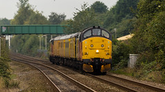 Colas Railfreight Class 37/0 no 37219 approaches Mansfield Station on 21-09-2016 with a Derby to Derby Network Rail Test Train (kevaruka) Tags: edwinstowe nottinghamshire thoresby class37 syphon growler colour colours colas colasrailfreight testtrain networkrail britishrail englishelectric england september 2016 summer mansfield mansfieldstation clouds cloudy cloudyday cloud sun sunshine sunnyday sunny canon canoneos5dmk3 canon5dmk3 canonef100400f4556l canonef24105f4l uwa ultrawideangle telephoto telephototrains 5d3 5diii 5d 5dmk3 flickr frontpage thephotographyblog ilobsterit boobs milf sexy wife yellow orange black station robinhood 37219