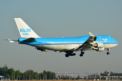 PH-BFY KLM Boeing 747-400 EHAM 14/9/16 (David K- IOM Pics) Tags: klm kl royal dutch airlines ams eham ph phbfy b744 boeing 747400 747 amsterdam schiphol airport