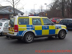 Staffordshire police/ land rover discovery 3/ roads policing unit/ VX58 CXC (policeambulancefire(3)) Tags: uk blue two 3 english lights pier call police rover headlights grill led yelp wig land vehicle leds british hilo alpha emergency discovery staffordshire tone 999 sirens wail bullhorn whelen strobes wags cxc repeaters vx58 vx58cxc