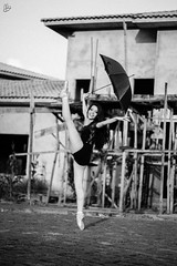 Dance in the 'rain' (amandabraide) Tags: urban ballet woman girl rain umbrella ballerina mulher menina bailarina urbandance bal urbanballet canon7d amandabraide pointeshots