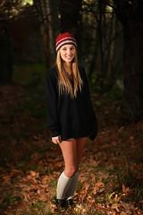 Judit Shy (EsteveSegura) Tags: girl forest amazing chica shy bosque segura esteve judit poy timida increible