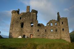 Profumo di Scozia (Le Za) Tags: sunset lake castle nature canon lago eos 350d scotland alba natura tent castello viaggi viaggio grazie tenda scozia tende profumodiscozia