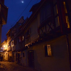 Nocturne  Eguisheim (Philippe Haumesser Photographies) Tags: france lights village illuminations alsace nights rue elsass lumires nocturnes nuits eguisheim clairages nikond7000 rememberthatmomentlevel1 rememberthatmomentlevel2