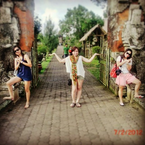 MEMORIES OF BALI. @heiress_kris @zarahv7 i miss our escapdes. ☀✈ #igers #instagood #instafun #photoaday #bali #indonesia #vacation #bestof2012 #goodtimes