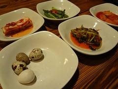 Korean Doufu Jjiae Dinner @Qiannian, Gubei, Shanghai (Phreddie) Tags: china food hot dinner restaurant yum shanghai delicious pot eat korean spicy gubei doufu 130122 qiannian