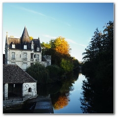 Le Loing  Moret (afer92 (on and off)) Tags: blue fall automne river evening rivire bleu laundry manor soir octobre manoir loing lavoir 2011 moretsurloing 8636 moulinprovencher