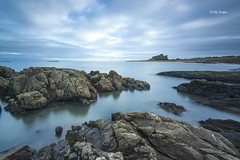 Bamburgh Rocks (Michael Straker) Tags: longexposure sky castle beach clouds coast rocks northumberland bamburgh bamburghcastle northumberlandcoast 10stop leefilter stagrocks