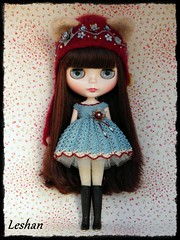 Para Miguel (Leshan1) Tags: hat doll dress crochet blythe leshan reddelicious kittyhelmet rbl feltedhat dolldress blythedress dollcrochet blythecrochet leshancrochet