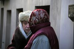 lo sguardo dell'esperienza (*sonnenschein*) Tags: snow persona nikon gente russia occhi neve freddo nonna occhiblu sanpietroburgo    esperienza espressione anziana consiglio vecchietta priviet d3000 vecchiarussa